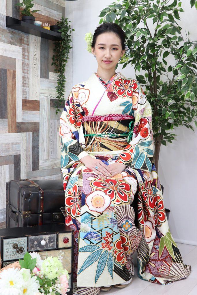 日産呉服・和田甚、振袖コレクション:NHR2201/レンタル価格:¥198,000